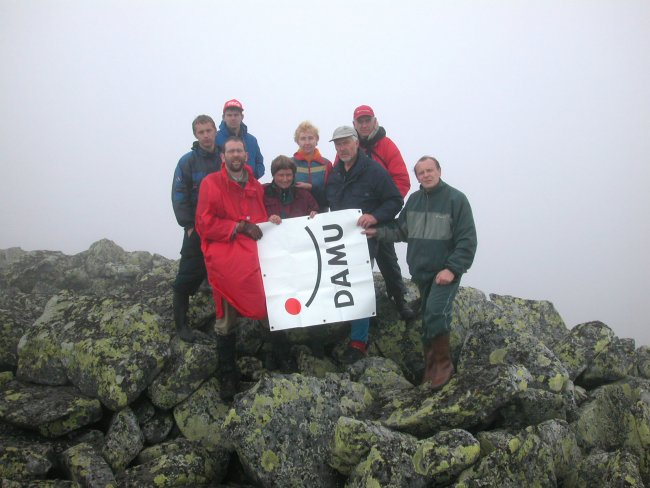 The members of the German Association of Alumni and Friends of the Lomonossov-University in Moscow have climbed the Mount Humboldt in the North Ural for the very first time.