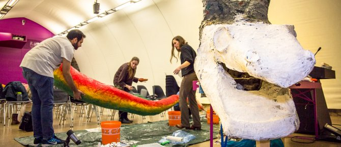 "<span>Construction work on the winter holiday programme ""Knights, unicorns and dragons"" (3 - 25 February 2018), Photo: Luisa Maria Dietrich, terra mineralia.</span>"